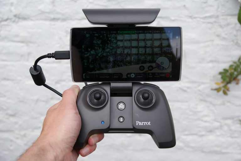 drone siêu gọn Anafi
